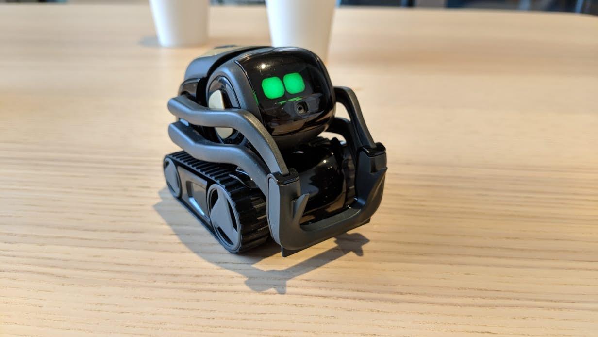 Vector机器人接入Alexa即刻控制家具